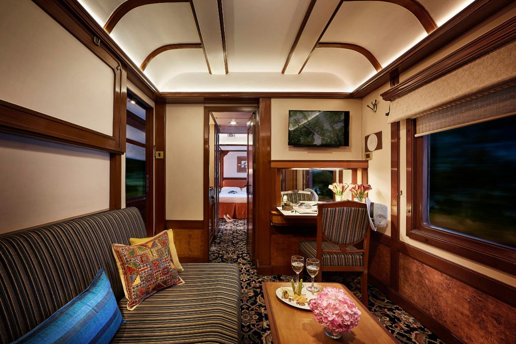 Train Deccan Odyssey Suite Presidentielle Salon